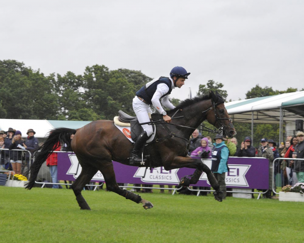 Pure class: Christopher Burton (AUS) and Nobilis 18 easily retain their lead after an influential Cross Country day at the Land Rover Burghley Horse Trials, final leg of the FEI Classics™ 2015/2016 (Trevor Meeks/FEI)