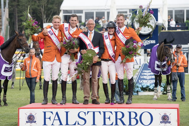 The Netherlands posted their first victory of the FEI Nations Cup™ Jumping 2017 Europe Division 1 series at the sixth leg in Falsterbo, Sweden today. Left to right: Ruben Romp, Michel Hendrix, Chef d'Equipe Rob Ehrens, Aniek Poels and Jur Vrieling. (FEI/Richard Juillart)