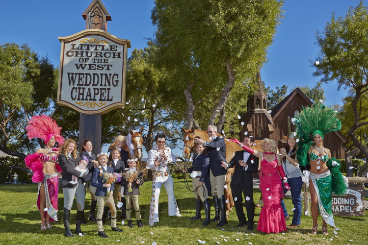 With This Carrot I Thee Wed A Symbolic Horse Wedding In Las Vegas At The