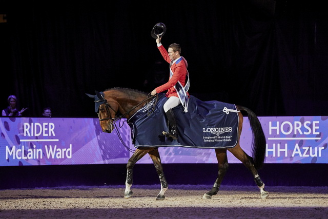 America's McLain Ward salutes the crowd after claiming victory at the Longines FEI World Cup™ Jumping Final 2017 with the mare HH Azur in Omaha (USA) last Sunday. (Liz Gregg/FEI)