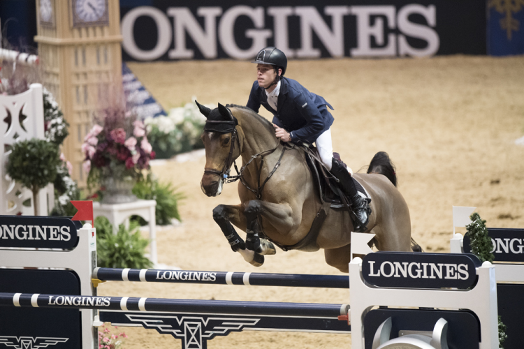 Scott Brash and Hello M'Lady topped the eighth leg of the Longines FEI World Cup™ Jumping 2016/2017 Western European League at Olympia, London (GBR) this evening. (FEI/Richard Juilliart)